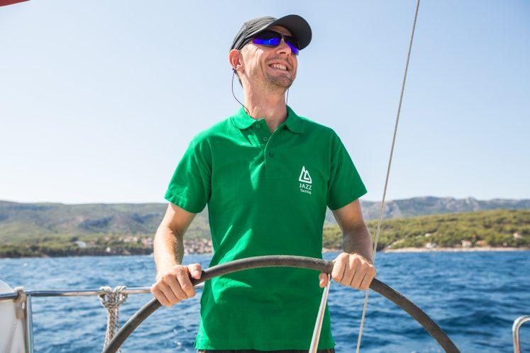 Happy skipper – Jazz Yachting