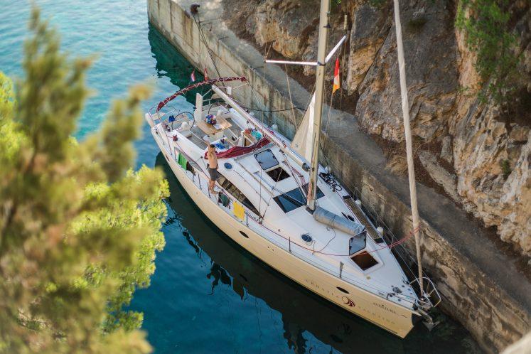 Стоянка, бывшее убежище для подлодок – Jazz yachting