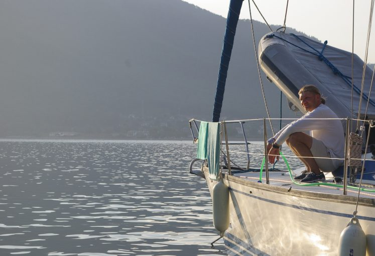Сушка на леерах – Jazz Yachting