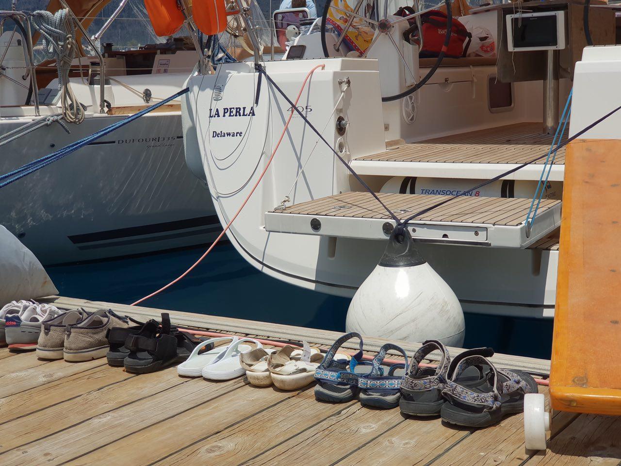 На яхте нужна сменная обувь – Jazz yachting